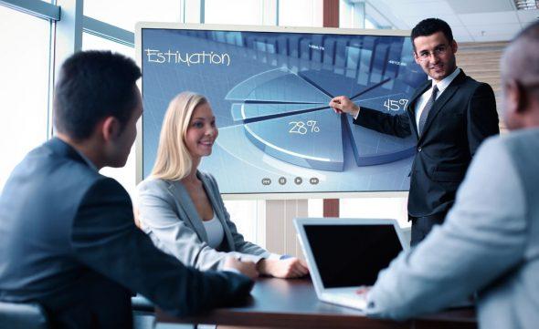 Konferenzraum Touch Bildschirme und Videokonferenz Kamera